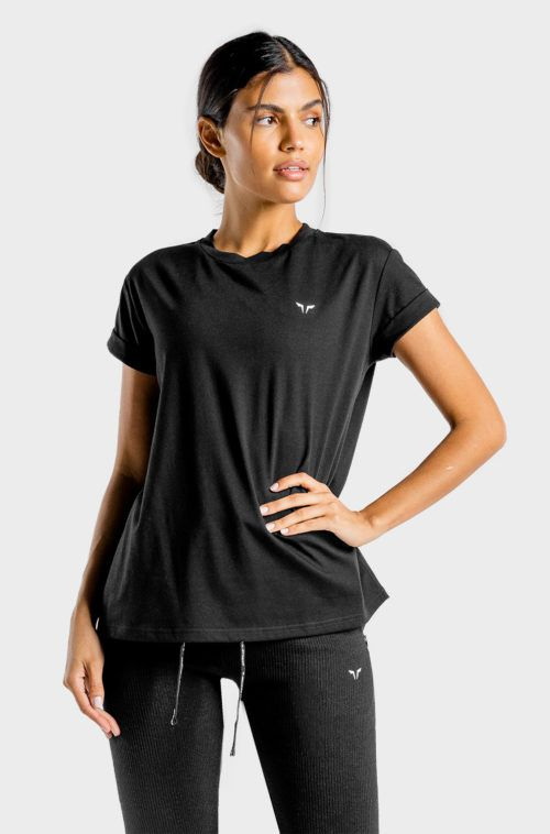 SQUATWOLF-gym-t-shirts-for-women-luxe-oversize-tee-black-workout-clothes